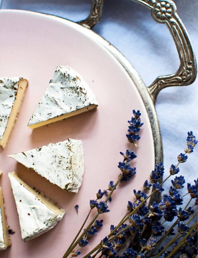 Párování vína a sýrů s bílou plísní